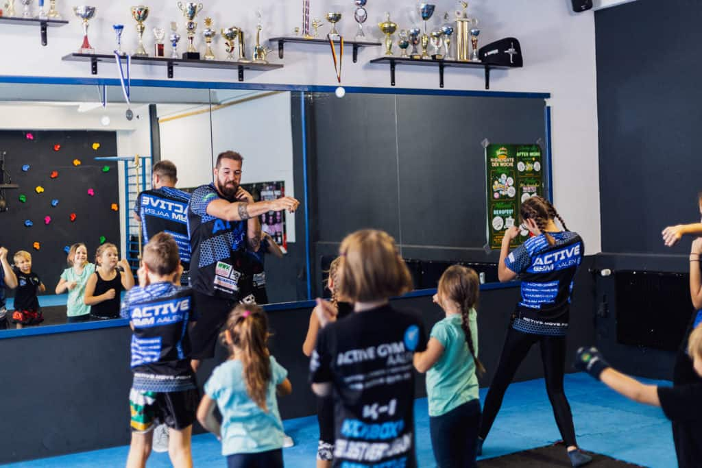 kinder kickboxen kids youth